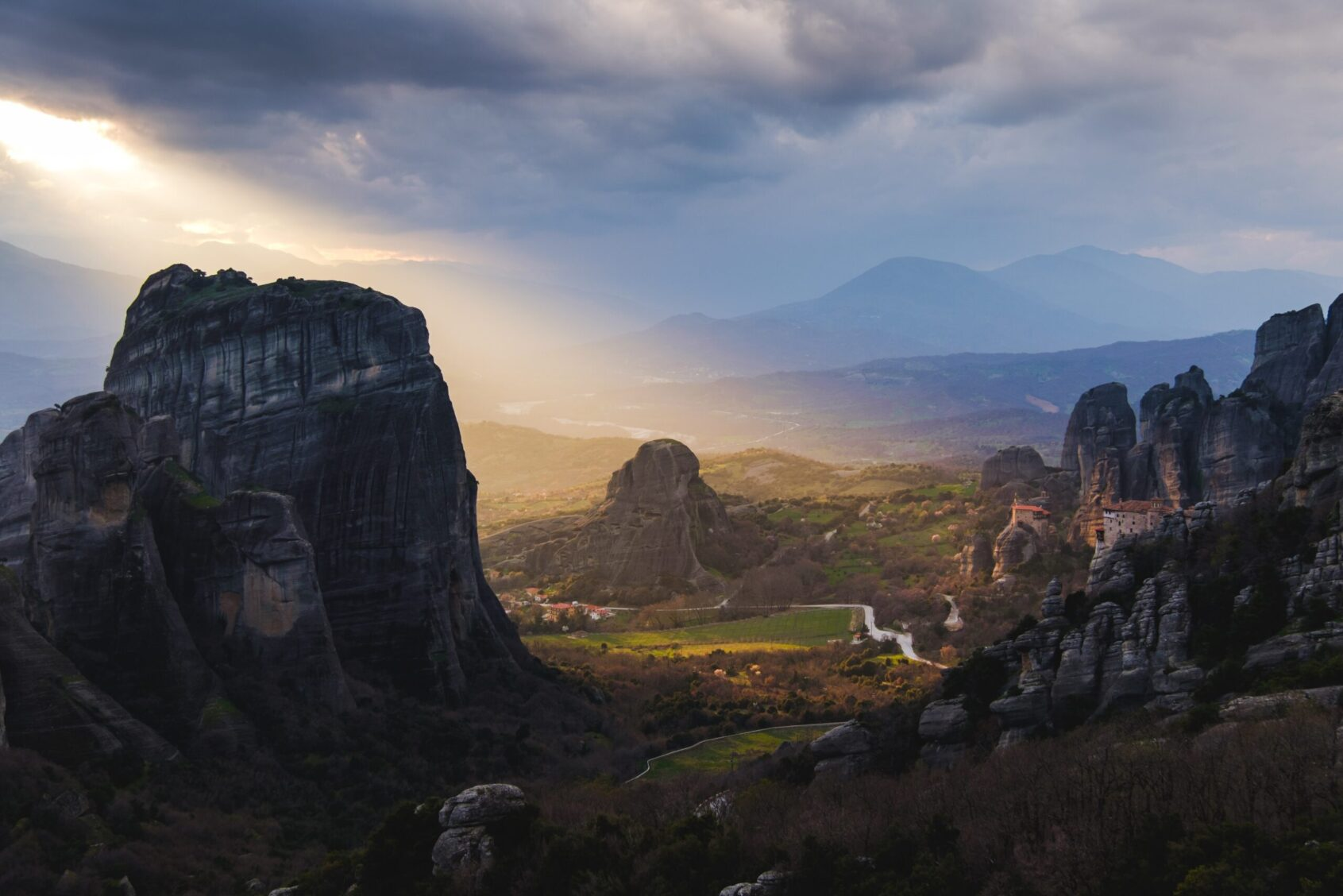 meteora greece, Hikes for women